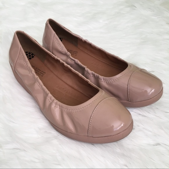 22f02c646ab9 Fitflop Shoes - Fitflop F-Pop Nude Ballerina Patent Leather Flats